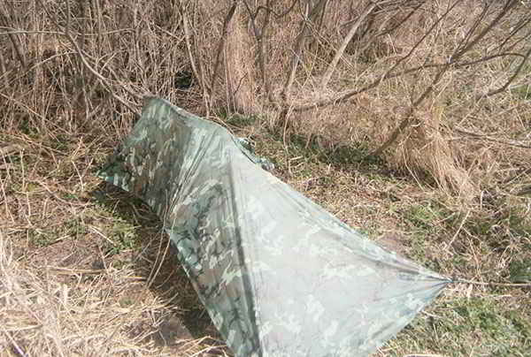 E 13 Different Ways to Use a Military Poncho as a Shelter