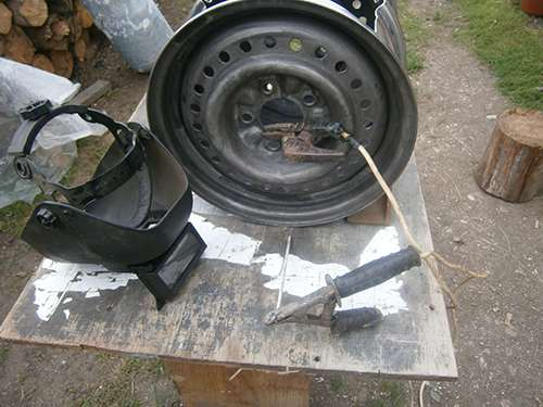 How to Make Your Own Wood Stove from Two Tire Rims 6
