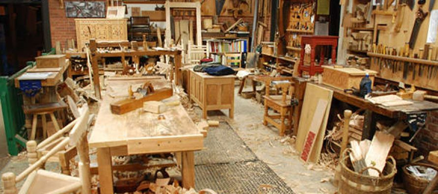 12 Woodworking Projects for Preppers and Homesteaders