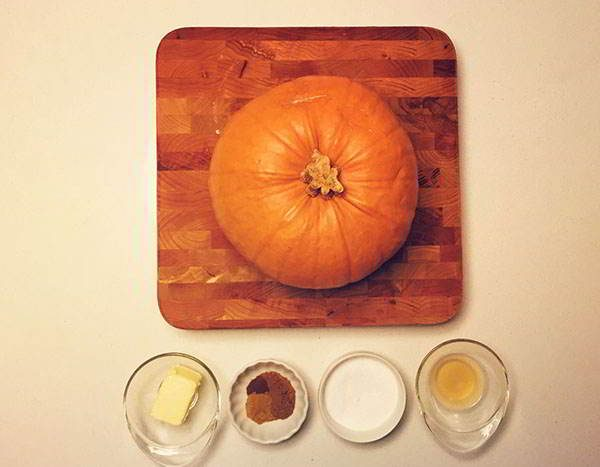 old-thankskiving-receipe-pumpkin-ingredients