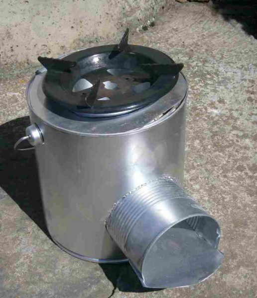 finished tin can rocket stove