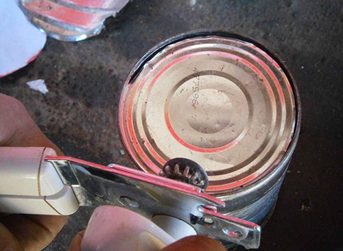remove tin can bottom