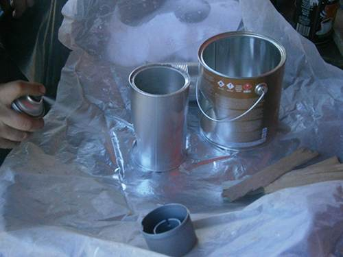 spray paint tin cans rocket stove