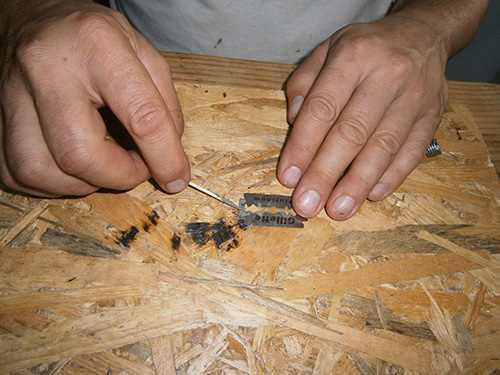 soldering paste on razors for hydrogen generator