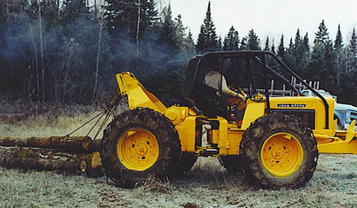 Logging With an Old Skidder500