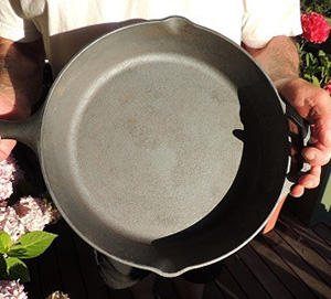 10 Advantages of Using Cast Iron Cookware When SHTF