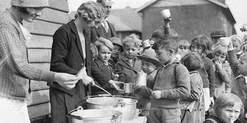 Rationing Strategies Who needs to get most food The elderly The Young The Women 2