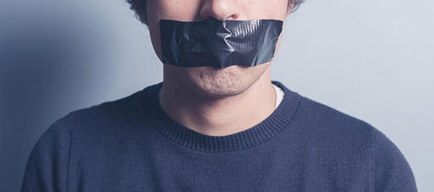 The Collapse of Journalism and the End of Free Speech in America